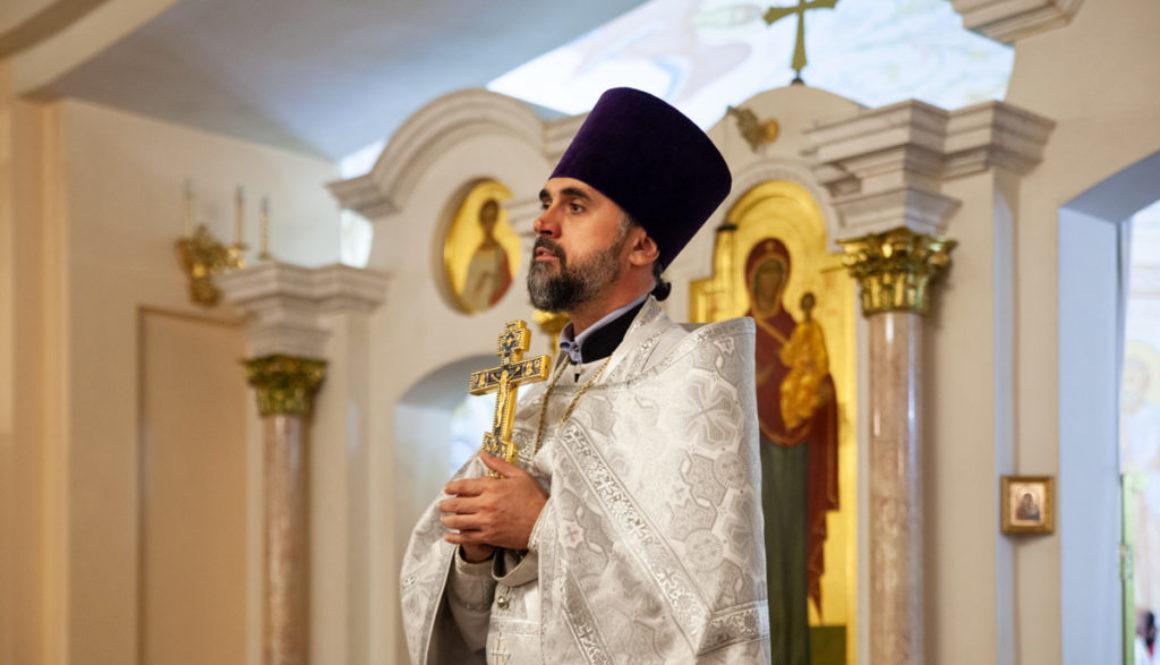 В праздник Преображения Господня директор духовного училища совершил Литургию в одноименном храме города Витебска